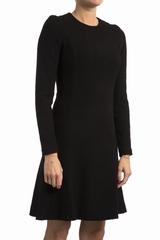 Robe Carven La Robe Carven Laine est une robe noire,