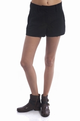 Le short Sonia by Sonia Rykiel est un short court à pinces