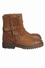 Les boots sangles Atelier Do Sapato sont des boots en cuir,