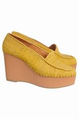 Chaussures Carven compensées. Ces chaussures Carven de