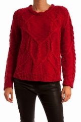 Pull maille torsades, col rond, manches longues. 100% laine
