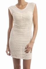 La robe City Iro est une robe courte tissée à petits
