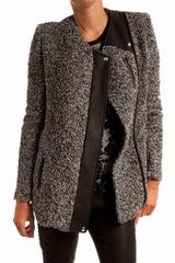 Manteau long chine. 2 poches zip. Manches longues. Se ferme