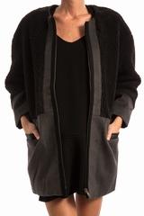 Manteau col rond, EMIN & PAUL. Manteau ample, se ferme avec