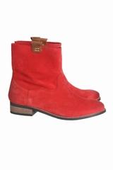Les boots Riva Noë sont des boots basses en nubuck et à bout
