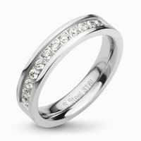 Bague demi anneau en acier et zirconium sur le dessus