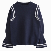 Material : cashmere Bicolored jumper Available in navy and
