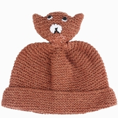 Material : merinos wool Hand-knitted cap Available in green