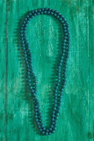 LONG COLOURED NECKLACE. 150 cm. thread color may be changed.
