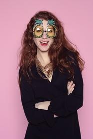 Pour un look fun et tropical ! lunettes en plastique.