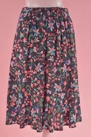 Jupe légère très agréable à porter. Motif fleuri et