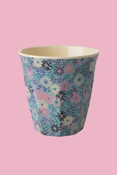 Ce gobelet est idéal pour les boissons chaudes et froides