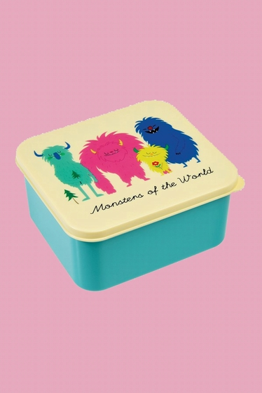 The push on lid and smooth plastic make this fabulous lunch