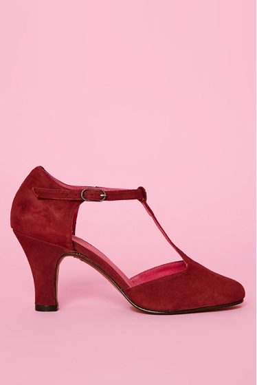 Salome. <br> Closure with buckle flange.<br> Heel of 7