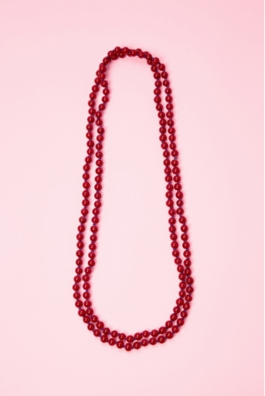Long necklace with pearls in glass. 150 cm. thread color may