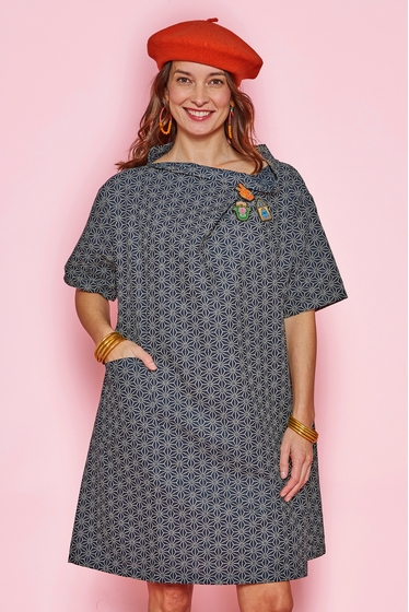Nice large patterned dress made with japanese cotton. Large