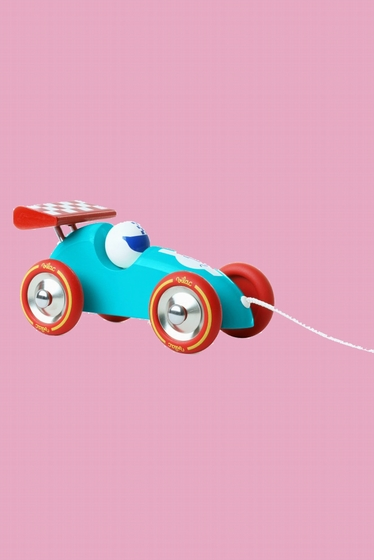 Racing car in lacquered wood that the little ones can drag