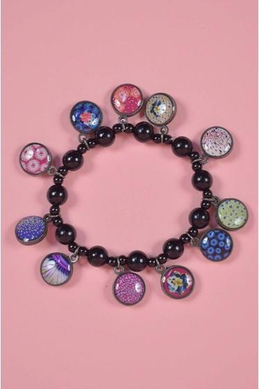 Bracelet fantaisie en zamac et perles de résine. fermoir en