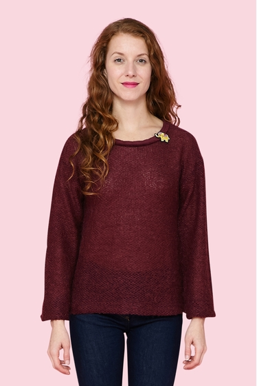 Pretty fine knitted mohair and wool pullover. Round neck