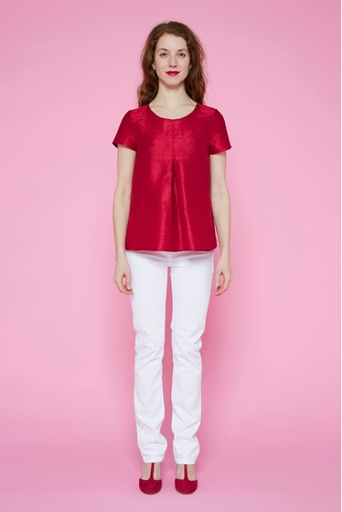 Beautiful Indian wild silk top. Boat-neck and short sleeves,
