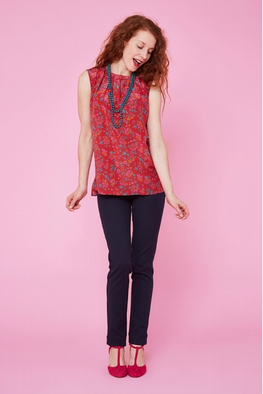 Pretty Indian silk top with flowers patterns, sleeveless.