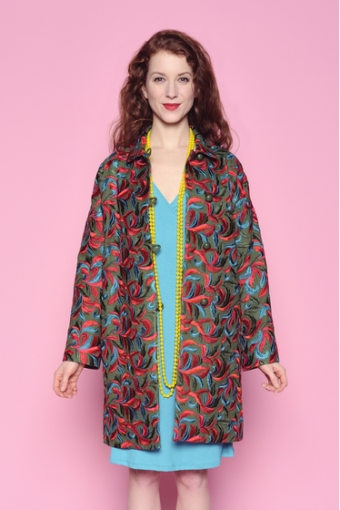 Superbe manteau 100% laine entièrement brodé de tissus