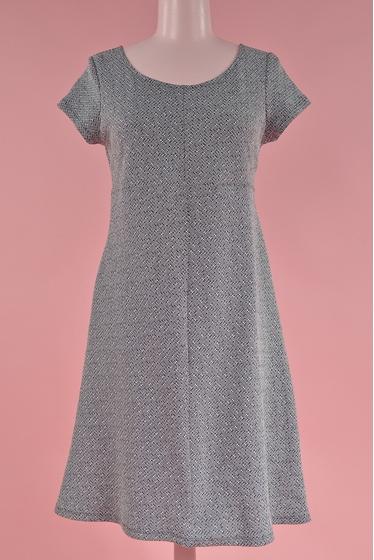 Robe manche courte, forme trapèze en maille jacquard.