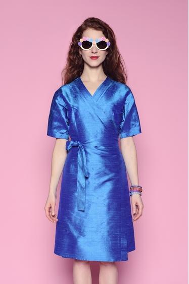 Superbe robe en soie sauvage esprit kimono. Manches courtes