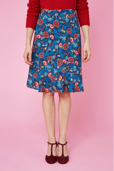 Nice skirt with flowers patterns. waist hilighted thanks to