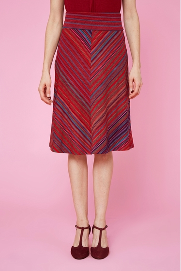 Nice and colorful flying skirt. Soft and comfortable mesh.