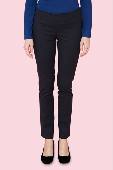 Slim and fitted trousers, elastic waistband decorative