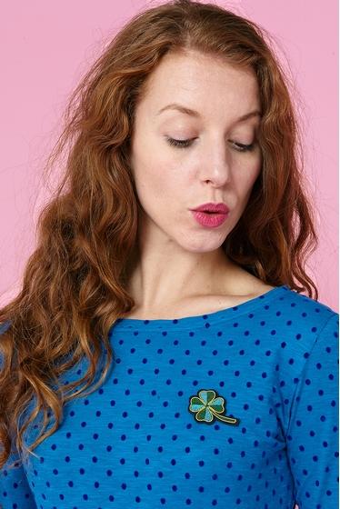 T-shirt à motifs plumetis.<br> Col rond.<br> Manches