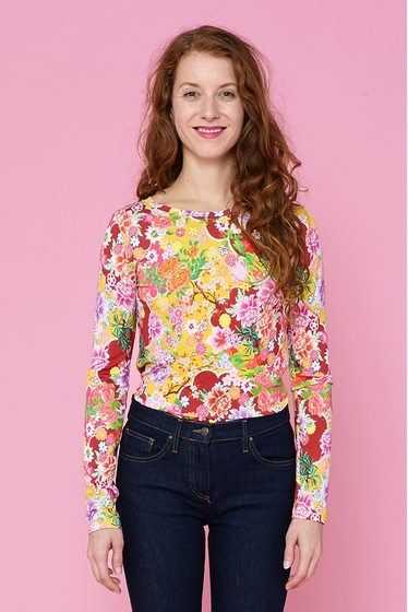 T-shirt à motifs fleuris.<br> Col rond.<br> Manches