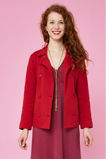 Nice fine textured short jacket. Classic collar and long
