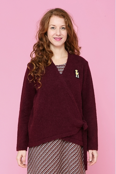 Short mohair crossed jacket, v-neck and long sleeves,