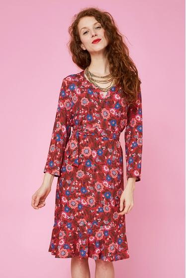 Jolie robe fluide et légère à motifs fleuris. Col tunisien