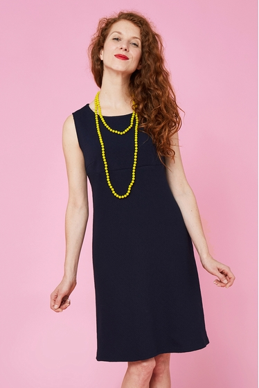 Nice lightly flared dress.boat-neck and sleeveless<br> <br>