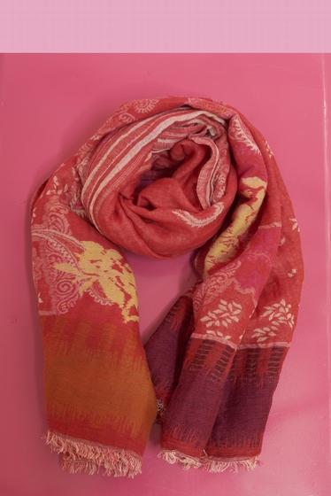 Fantasy patterned scarf.<br> Finishes fringed. <br> <br>