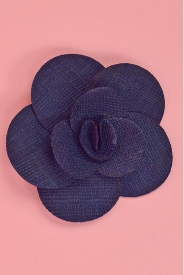 Hang this brooch to your dress ! 100% hessian