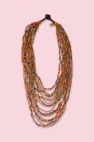 Collier multirangs dégradés avec perles multicolores.