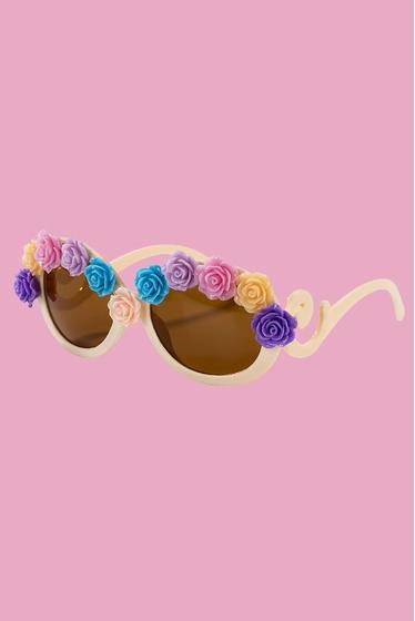 Pour un look flower power un peu rétro ! lunettes en