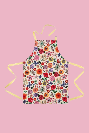 Apron in oilcloth adjustable in neck with a pocket. Size: 61