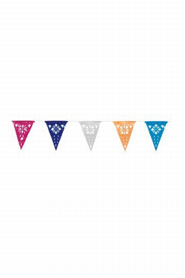 Plastic garland with openwork flags. OLE! <br> Length: 8 m