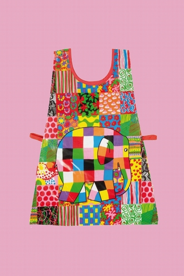 An apron suitable for apprentice cooks as well as small