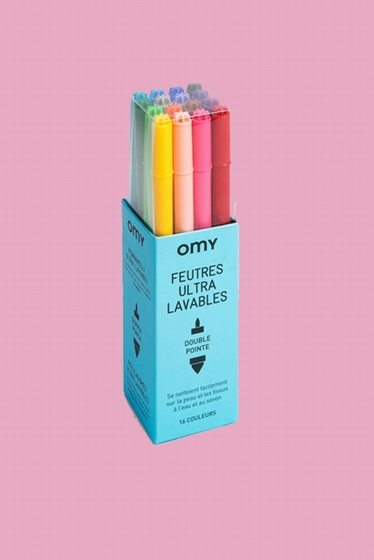 - The Magic Felt Box contains: 16 double-tipped felts that