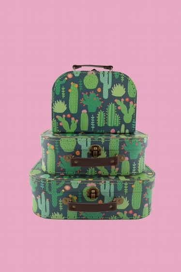 Set of 3 pretty suitcases with fantasy and variety patterns.