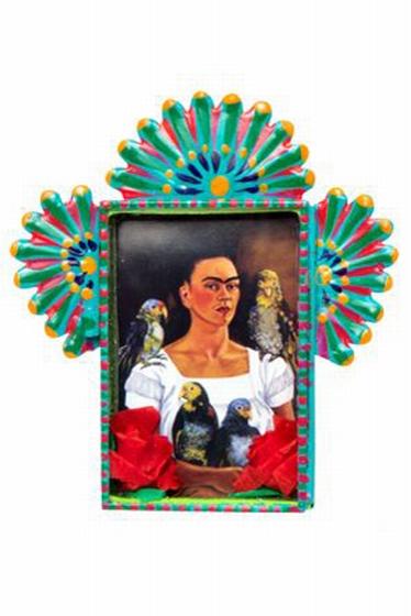 Magnifique portrait de Nicho Frida Kahlo. 13 x 2 x 12 cm.