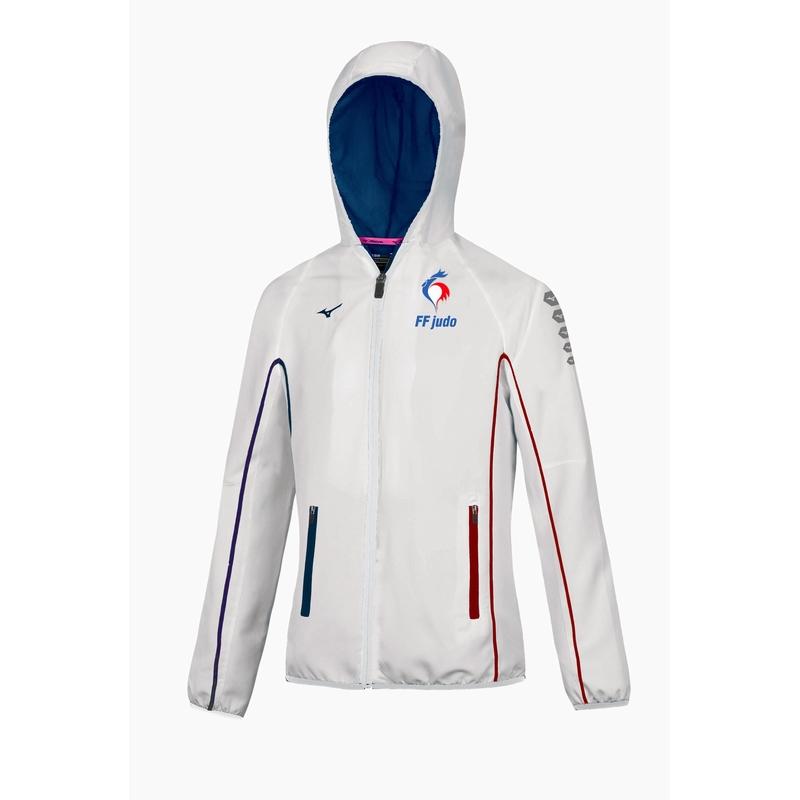 0e152ac175e Designation   VESTE FRANCE BLANC FEMME Référence   MZEDF1710Descriptif   Veste  de survêtement de l Équipe de France de Judo pour Femmes.
