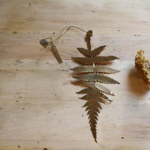 Feuille de fougère en laiton, décoration intemporelle et