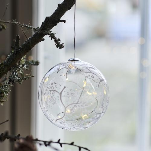 Faîtes entrer la magie de Noël avec cette magnifique boule